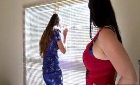 Sexo entre duas mulheres no escritório