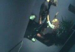Flagrando casal dando uma no hall do ap